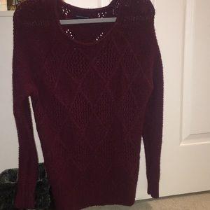 American eagle, Maroon sweater